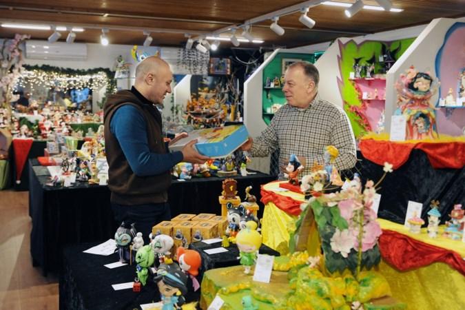 Winkel in Venlo wordt overstelpt met bestellingen na vernieling door relschoppers