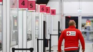 Rode Kruis gaat helpen bij vervoer naar priklocaties