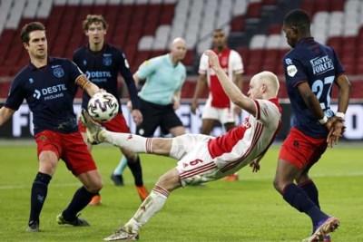 Invallers Tadic en Brobbey helpen Ajax langs Willem II