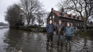 Wonen in een dorp dat regelmatig overstroomt: 'We zijn niet bang, het zorgt alleen voor een hoop onzekerheid'