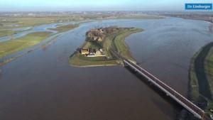 Prachtige videobeelden: De Maas in volle omvang vanuit de lucht gezien