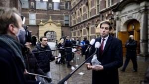 Pleidooi van Hoekstra voor hogere beloning voor commissarissen van staatsbedrijven valt slecht bij de Tweede Kamer