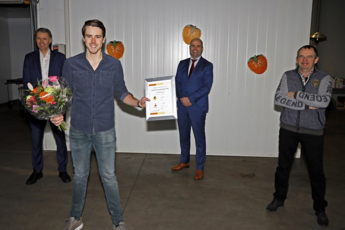 Aardbeienteler Geert Rasing starter van het vierde kwartaal