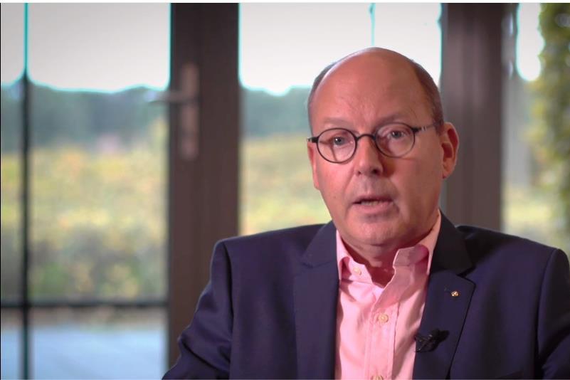L1-personeel genadeloos over directeur Peter Elbers: 'Geen empathie en geen kennis van zaken' - De Limburger