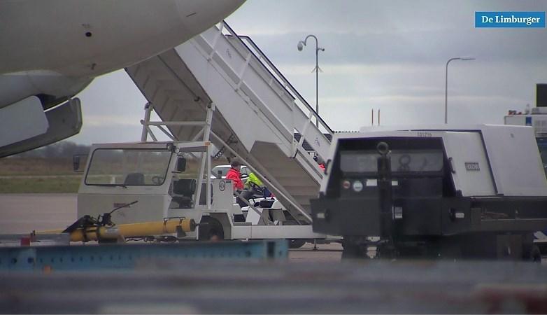Video: Verstekeling overleeft vlucht van Londen naar Maastricht Aachen Airport