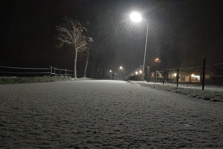 Video: Veel sneeuw in Noord-Limburg