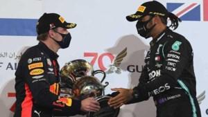 Mercedes ontkent Verstappen-clausule in contract Hamilton