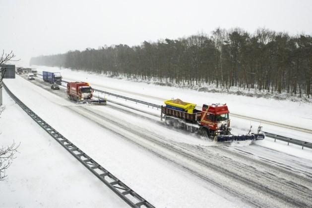 Delen van A73 en A67 afgesloten wegens vorstschade