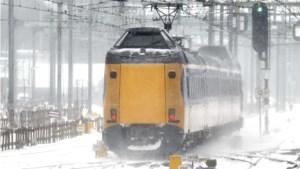 NS start dienstregeling op, vertraging door sneeuw