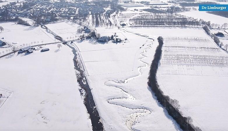 Kippenvel: Prachtige luchtbeelden, kop van Limburg in de sneeuw