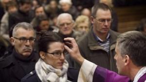 Sittardse aswoensdagviering in kerk Overhoven live uitgezonden