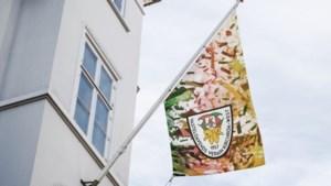 Vasteloavends Verain Kirchroa-West hangt de vlag uit