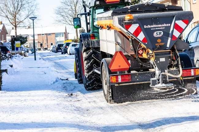 Weeralarm KNMI: code rood voor Limburg vanwege gladheid