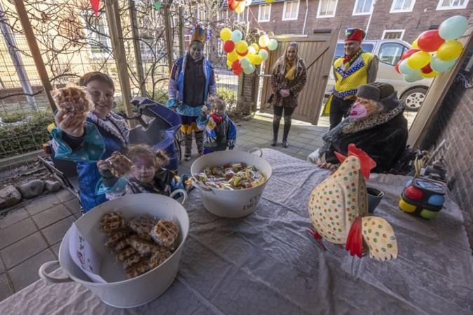 Gebrook Sjtraolt zorgt voor gezellige carnavalszondag in Hoensbroek