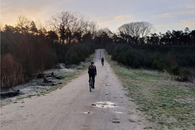 Uitfietsen: Winterse gravel en warme choco in de Meinweg