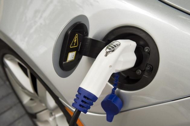 Een op zes nieuwe auto's in Europa elektrisch
