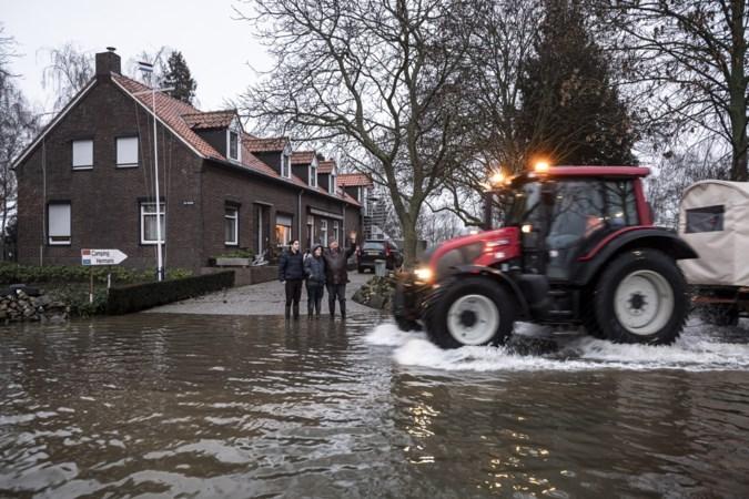 Ruzie overheden over hoogte van dijken langs de Maas in Limburg