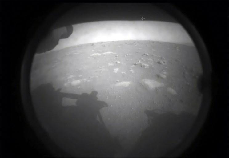 Video: Robotverkenner van NASA landt succesvol op Mars