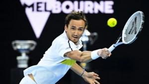 Medvedev ten koste van Tsitsipas naar finale Australian Open