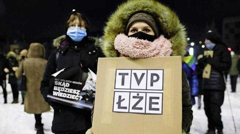 Poolse regering zit vrije pers dwars: 'Straks alleen nog staatsmedia over'