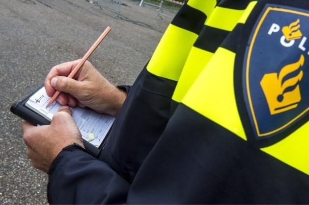 Politie schrijft 6436 avondklokboetes uit