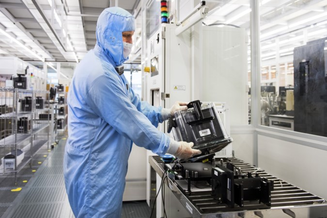 De auto-industrie snakt naar chips. Hoe kun je de productie opvoeren?