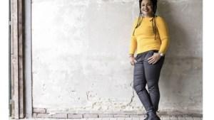 Chef-kok Sharon de Miranda viert feestje van 'Binnenstebuiten' mee: 'Ik bereid alle schotels met een eigen twist'