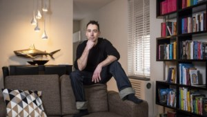 Timmerman Bjorn Knoops schrijft om te overleven