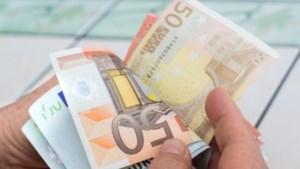Dorpshuis Montfort krijgt 5000 euro van Postcode Loterij Buurtfonds