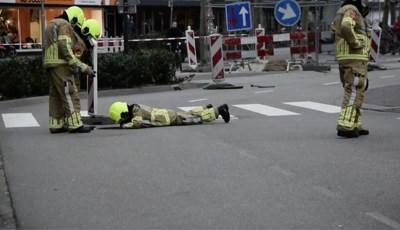 Video: Woningen ontruimd in centrum Venlo vanwege gaslucht in riool