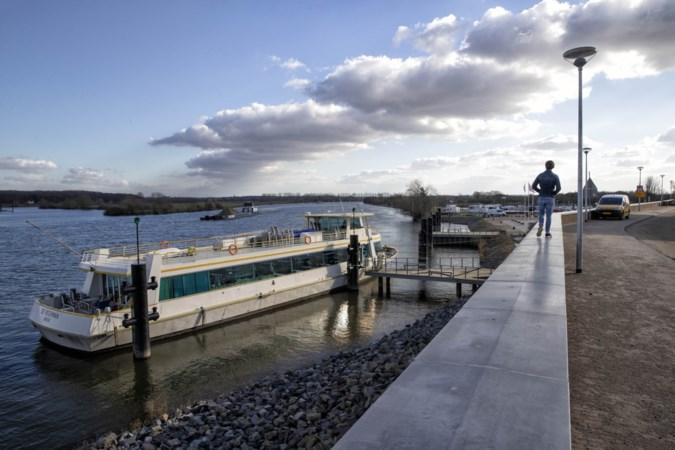 Vrees voor ongelukken op nieuwe kademuur in haven van Neer: 'Het is wachten tot er iemand vanaf valt'