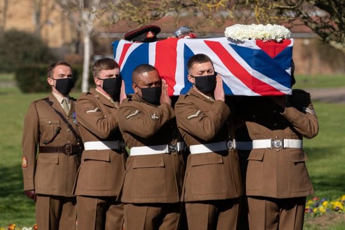 Coronaheld captain Tom Moore was 'een baken van licht en hoop voor de wereld'