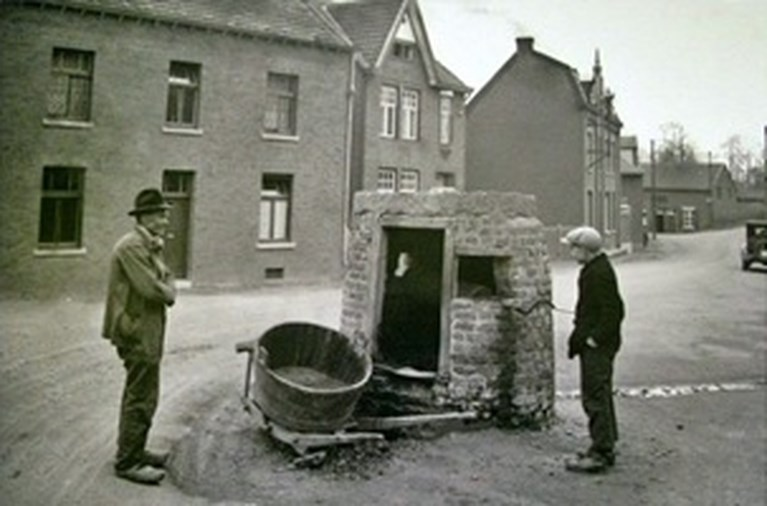 Waterputten in het oude Stein: noodzakelijke voorziening, maar ook sociale ontmoetingsplaats