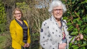 Mathilde Haanspeld dit jaar voor bescheiden maar trotse Roermondse Annie Mooren-Thissen (90)