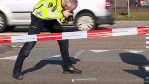 Fietsster gewond bij aanrijding met personenauto