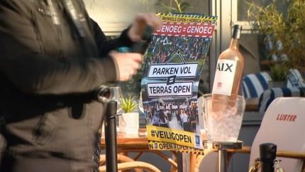 Ludiek horecaprotest in Limburg: 'Dit is zo frustrerend. Geef ons perspectief, geef ons de ruimte'