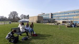 Pauzeren in circustent; scholen bedenken creatieve oplossingen in zoektocht naar extra ruimte