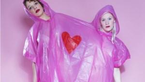 Cabaretduo Vlamousse wil met humor racisme en seksisme bespreekbaar maken: 'We laten ons de mond niet snoeren'