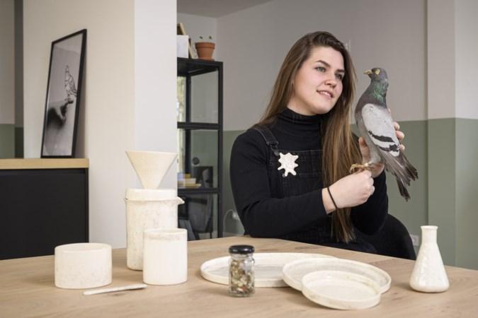 Kunstenares maakt servies van duivenpoep: 'Je kunt eraan zien welk soort voeding de duif heeft gehad'