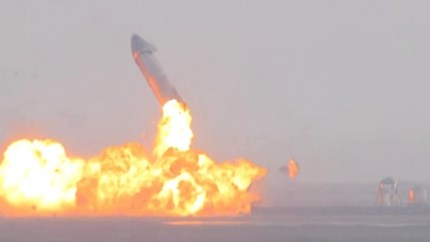 Video: Ruimteraket SpaceX explodeert na landing