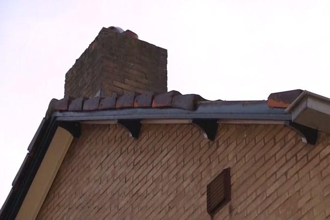 Opnieuw dakpannen van Meerssense woning geblazen door overkomend vliegtuig
