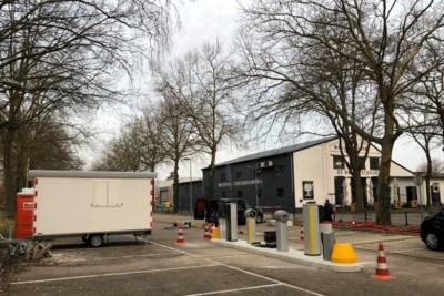 NS verlegt de ingang van het parkeerterrein bij station Weert