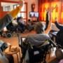 In de strijd tegen verveling tijdens corona gaan ouderen in genomineerd Sevagram-project online op reis naar Amerika en Spanje