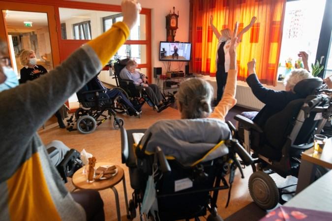 Online reis naar Amerika en Spanje haalt ouderen tijdens coronacrisis uit sociaal isolement