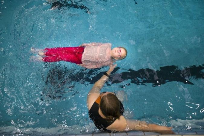 Zwemscholen trappelen van ongeduld om weer te beginnen