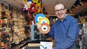 Veldenaar runt grootste goochelwinkel van Nederland: 'Voor goedkoop ogend plastic prulletje hebben echte liefhebbers honderden euro's over'