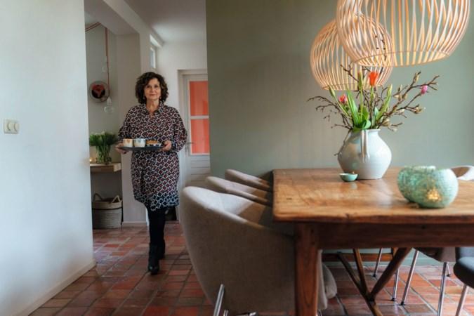 Binnenkijken in Sittard: 'De ingelijste Jodenster van mijn moeder staat op een mooie plek'
