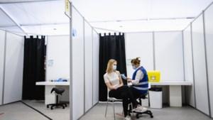Denemarken en IJsland leggen vaccineren met AstraZeneca tijdelijk stil