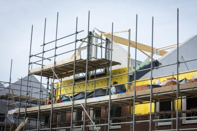 Plan voor de bouw van 31 woningen in Broekhuizen