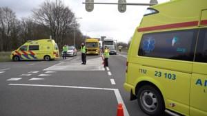 Video: Traumahelikopter naar ernstige aanrijding met jonge fietser in Ittervoort